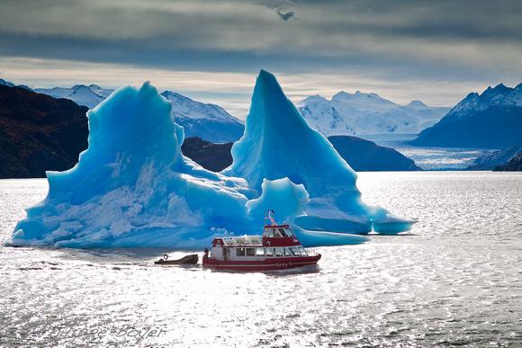Patagonia South America >> Philippe Boyer | Portfolio | Lago grey - Torres del Paine -Chile